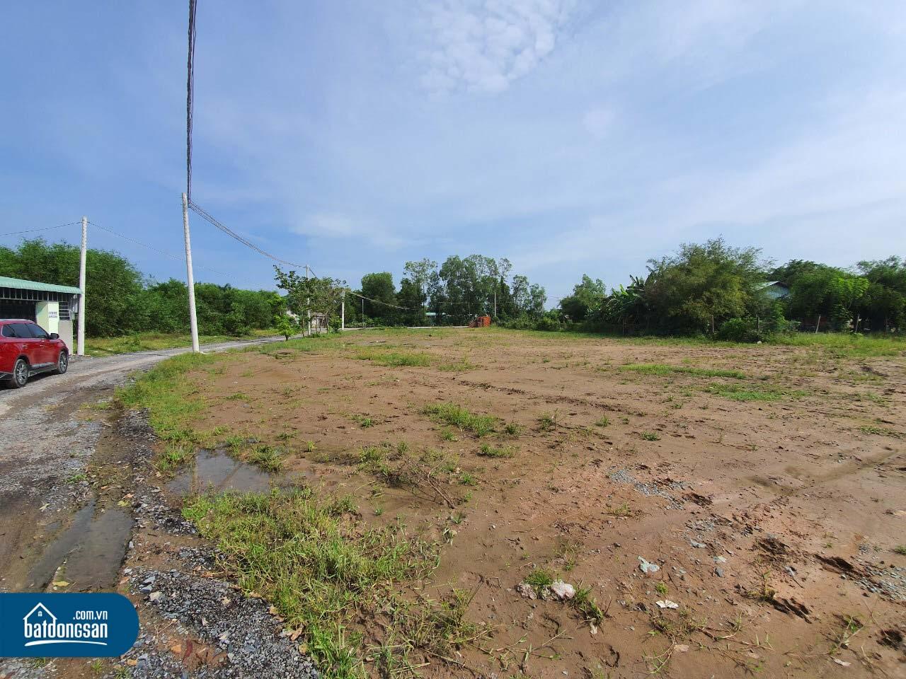 Nhiều nhà đầu tư chấp nhận bán cắt lỗ đất nền vào cuối năm